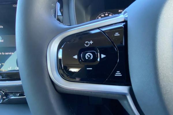 2020 Volvo V60 F-Series T5 Inscription Wagon Image 5