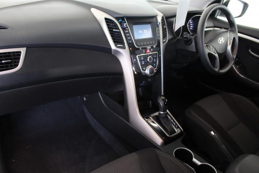 2016 Hyundai I30 GDE3 SERIES II MY16 GDI Wagon Image 13