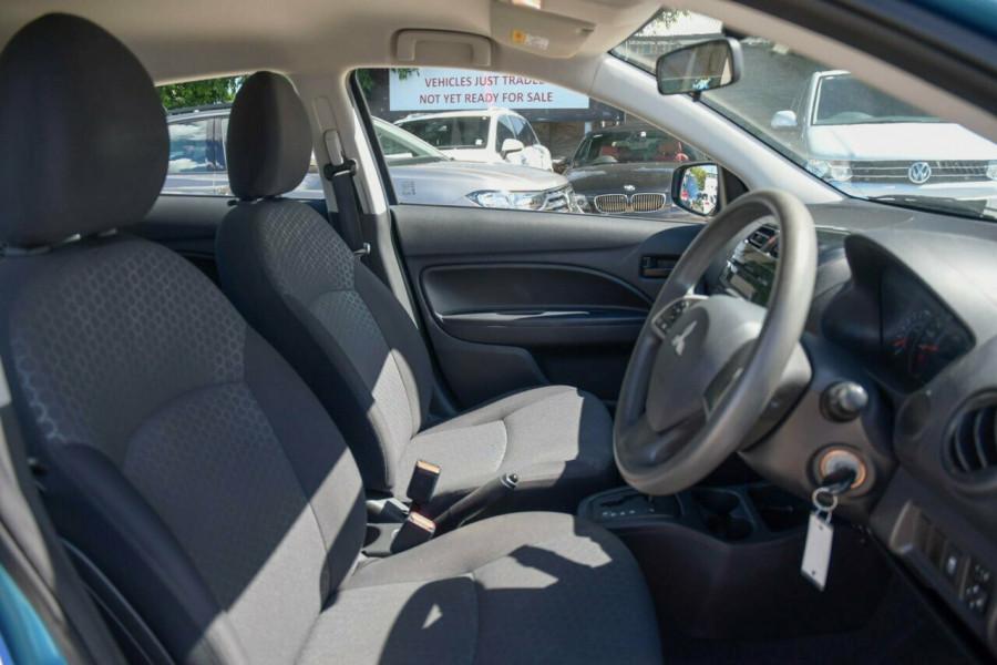 2015 Mitsubishi Mirage LA ES Hatchback Image 9
