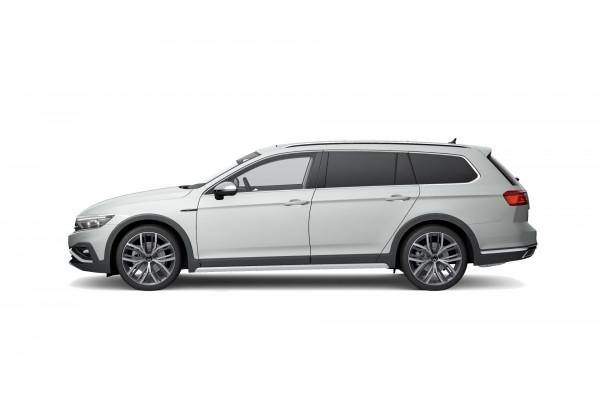 2021 Volkswagen Passat B8 162TSI Premium Wagon Image 2