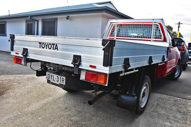 2013 Toyota HiLux TGN16R MY12 Workmate Cab chassis Image 2