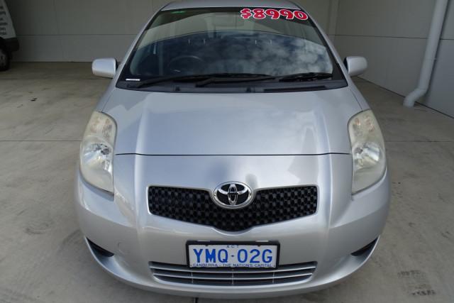 2006 Toyota Yaris YRS 7 of 22
