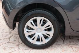 2017 Mazda 2 DJ2HAA Neo Hatchback Image 5
