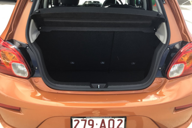 2019 Mitsubishi Mirage LA ES Hatchback Image 5