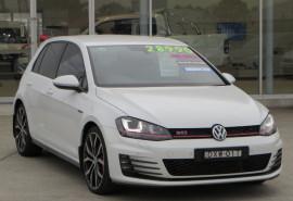 Volkswagen Golf GTI Performance 7