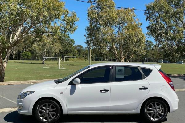 2012 MY11 Hyundai i30 FD MY11 Trophy Hatchback Image 4