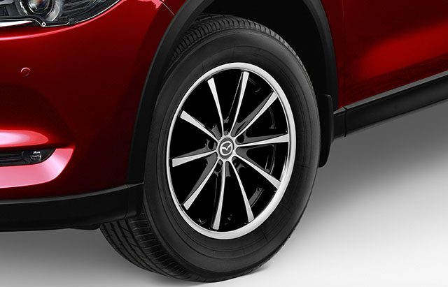 17-inch silver alloy wheels