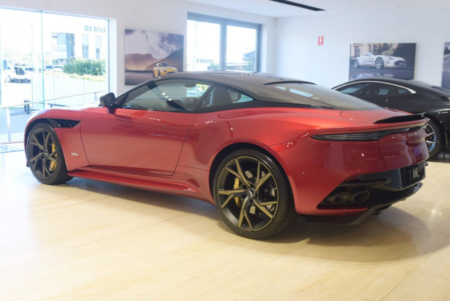2018 MY19 Aston martin Dbs Superleggera Coupe Image 2