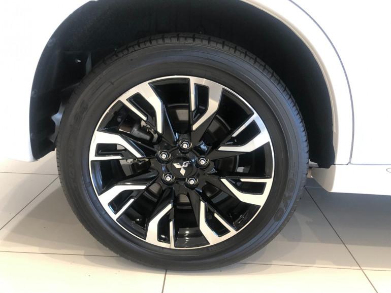 2017 Mitsubishi Outlander ZK PHEV LS Awd wagon Image 15