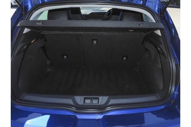 2016 Renault Megane BFB GT Hatchback Image 4
