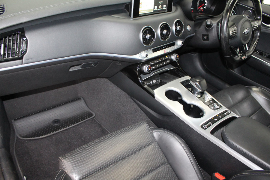 2017 MY18 Kia Stinger CK GT Sedan Image 11
