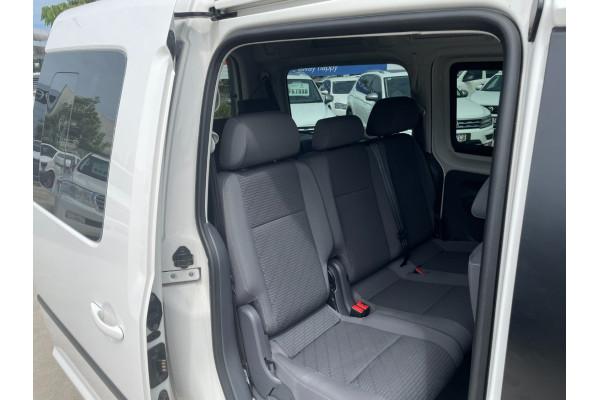 2015 Volkswagen Caddy 2K  TDI250 Comfrtline Wagon Image 5
