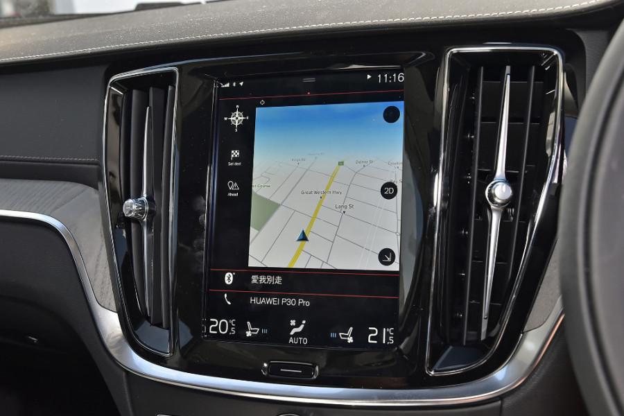 2020 Volvo S60 Z Series T5 Inscription Sedan Mobile Image 14