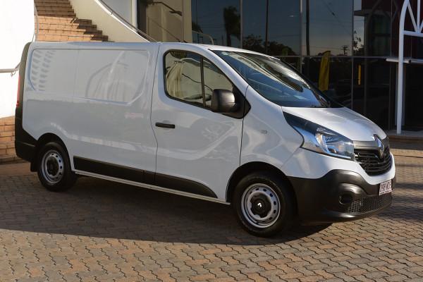 2014 Renault Trafic X83 Phase 3 3 Van Image 4