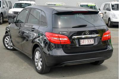 2012 Mercedes-Benz B-Class W246 B180 BlueEFFICIENCY Hatchback Image 4