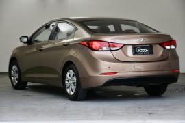 2014 Hyundai Elantra MD3 Active Sedan Image 3
