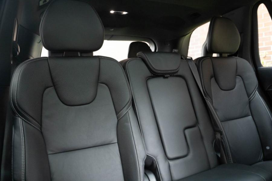 2020 Volvo XC90 L Series D5 R-Design Suv Image 15