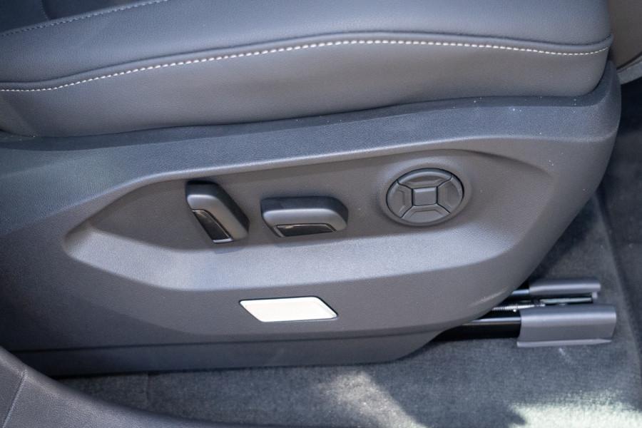 2021 Volkswagen Touareg CR 170TDI Suv Image 18