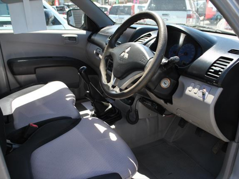 2006 MY07 Mitsubishi Triton ML  GLX Cab chassis - single cab