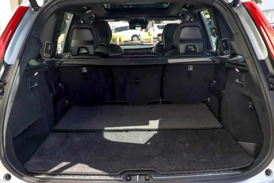 2019 Volvo XC90 L Series T6 R-Design Suv Mobile Image 10