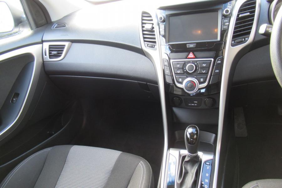 2016 MY17 Hyundai I30 GD4 SERIES II MY17 ACTIVE Hatch Image 9