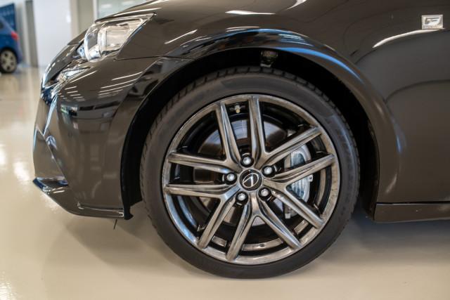 2016 Lexus Is GSE31R 350 F Sport Sedan Image 12