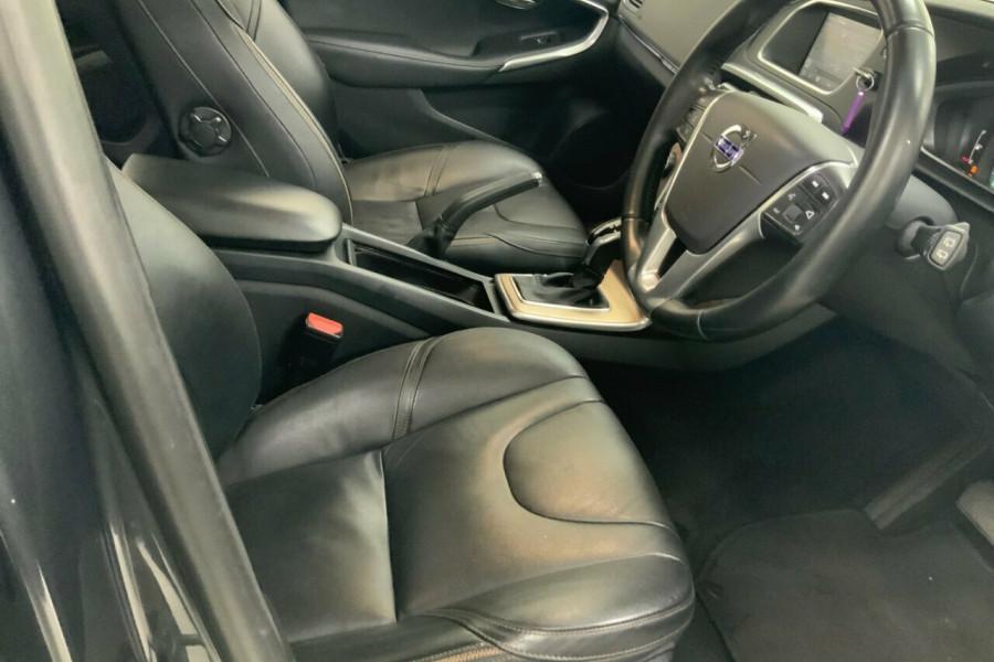 2014 Volvo V40 M D4 Cross Country Hatchback