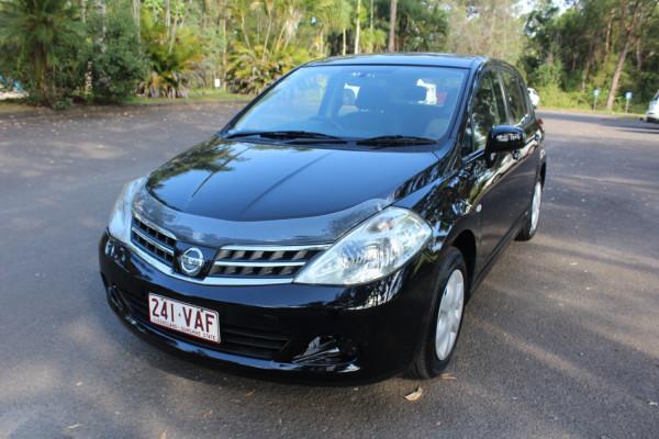2011 Nissan Tiida C11 S3 ST Hatchback Image 4