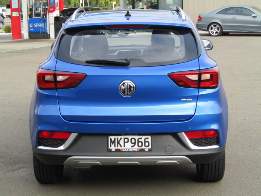 2019 MG Zs 1.0t 6at Essence Sports utility vehicle