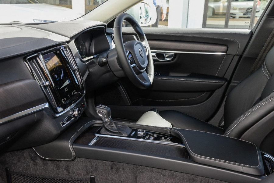 2019 MY20 Volvo V90 Cross Country D5 Wagon Image 8