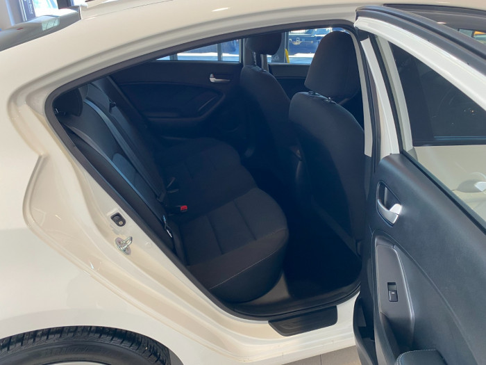 2016 MY17 Kia Cerato YD MY17 S Sedan Image 8