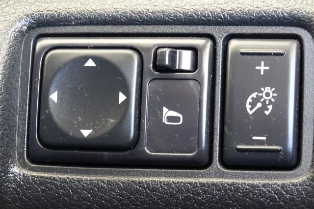 2014 Nissan Pulsar Hatch ST 27 of 29