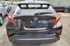 2018 Toyota C-hr NGX10R Suv Mobile Image 5