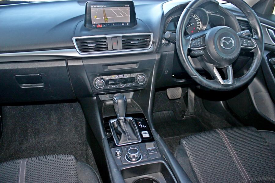 2017 Mazda Mazda3 BN5238 SP25 Sedan Image 10