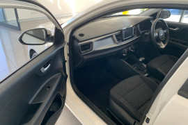 2019 Kia Rio YB S Hatchback Image 5