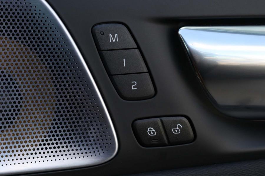 2020 Volvo S60 Z Series T5 R-Design Sedan Image 14