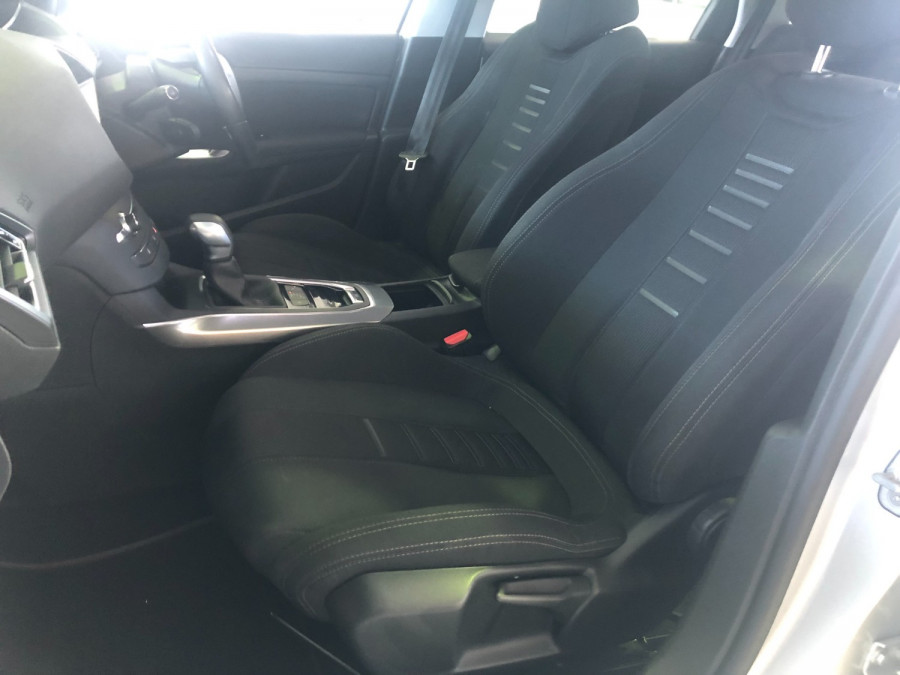 2014 Peugeot 308 Wagon Image 21