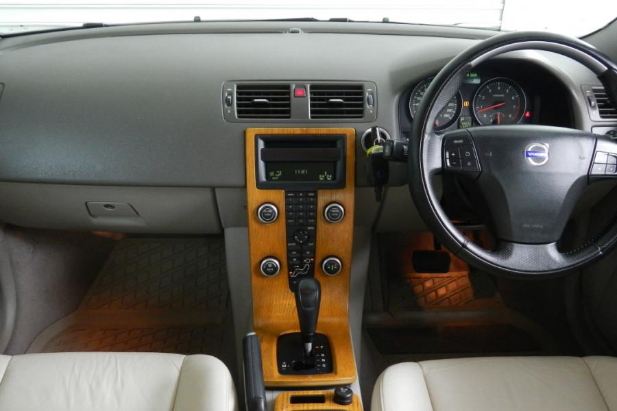 2008 Volvo S40 Vehicle Description. M  MY08 S Sedan 4dr SA 5sp 2.4i S Sedan Mobile Image 9