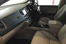2015 Kia Carnival YP Platinum Wagon Image 2