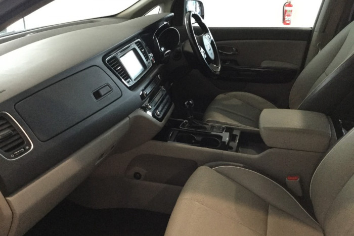 2015 Kia Carnival YP Platinum Wagon