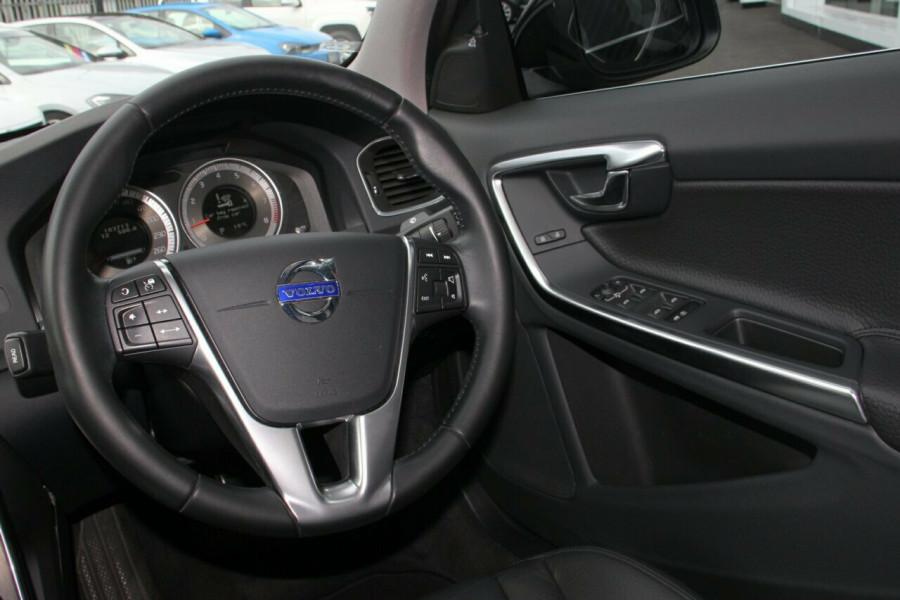 2012 Volvo S60 Wagon Image 6