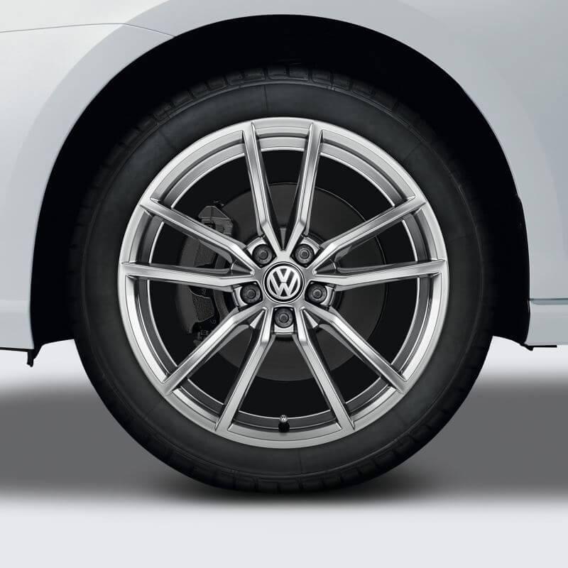 "18"" Silver Pretorial alloy wheel"