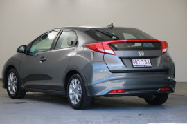 2013 Honda Civic 9th Gen MY13 VTi-S Hatchback Image 4