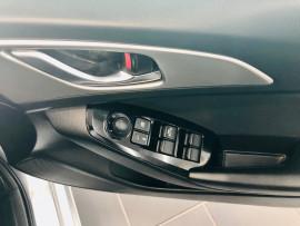 2017 Mazda 3 BN5276 Maxx Sedan image 8