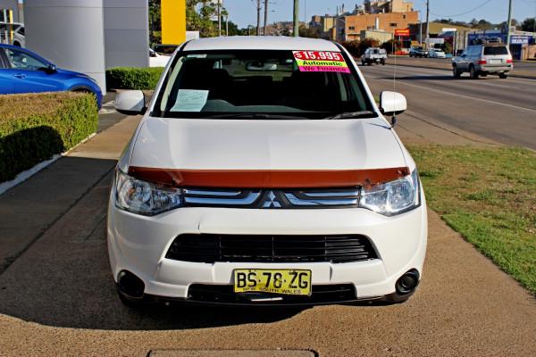 2012 MY13 Mitsubishi Outlander ZJ  ES Suv