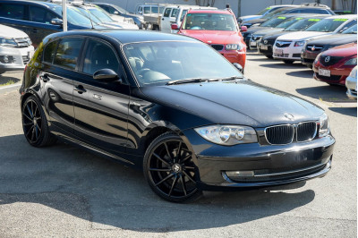 2009 BMW 1 Series E87 118i Hatchback Image 3