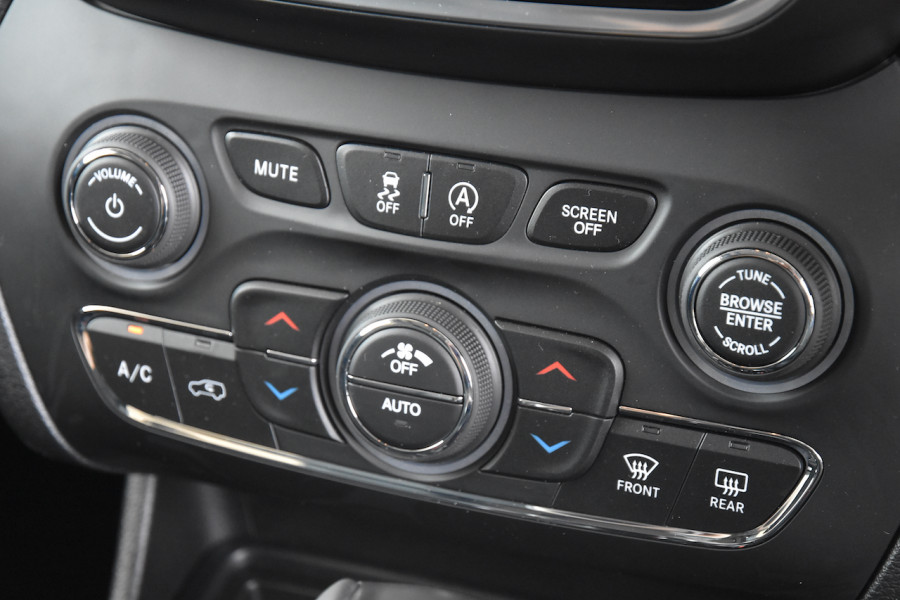 2019 Jeep Cherokee KL Limited Suv Image 13