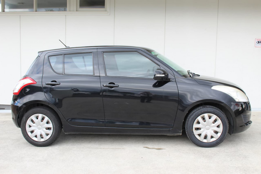 2011 Suzuki Swift FZ Hatchback