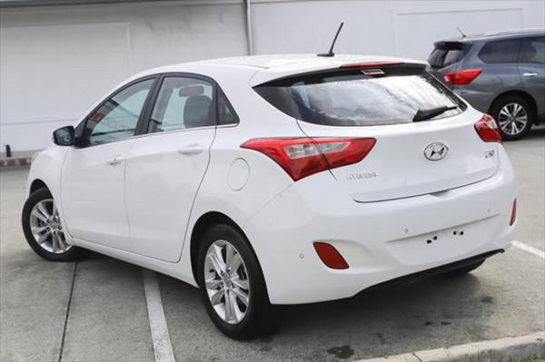 2012 Hyundai I30 GD Elite Hatchback Image 2