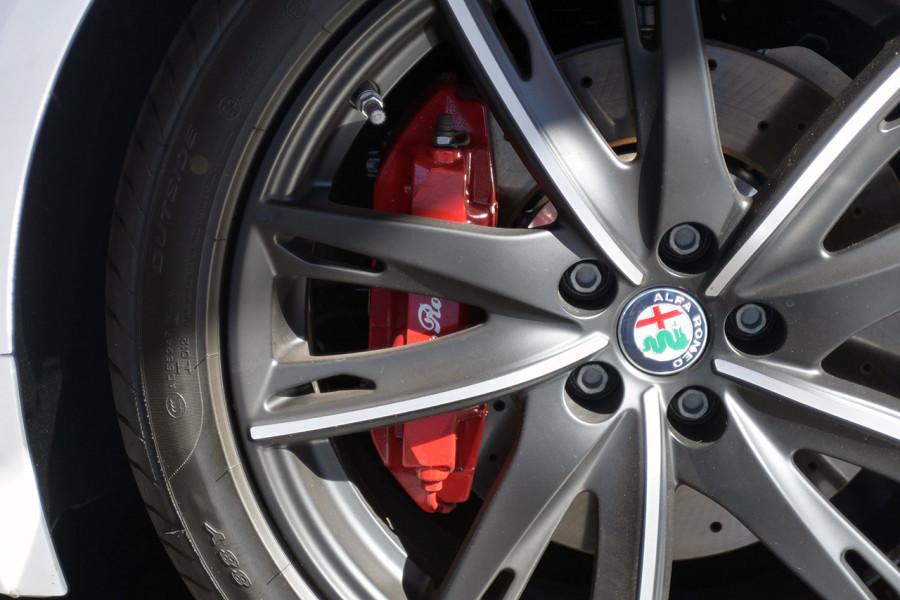 2018 MY17 Alfa Romeo 4C Series 1 Coupe Coupe Mobile Image 20